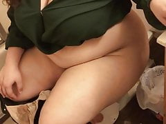 Cute Ebony BBW Pissing On Be transferred to Toilet